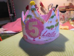 Corona cumpleaños niña