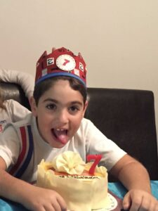 Foto corona cumpleaños niño