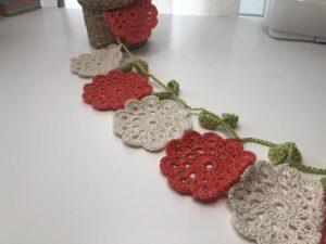 Grilnalda de flores de ganchillo