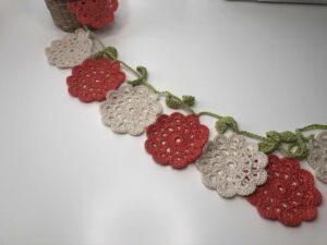 Grilnalda de flores de ganchillo1